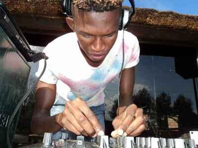 DJ Shima & Tribesoul – Nile River (Soulful Groove)