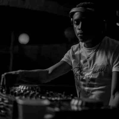 Akabu – Ride The Storm (BitterSoul Yanos Remix) ft. Linda Clifford