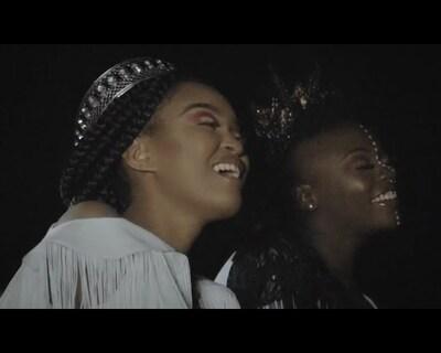 Berita ft. Amanda Black – Siyathandana (Video)
