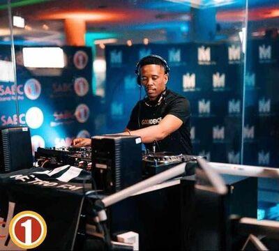 Dj Stokie – Exclusive TV Kasi Hero Mix