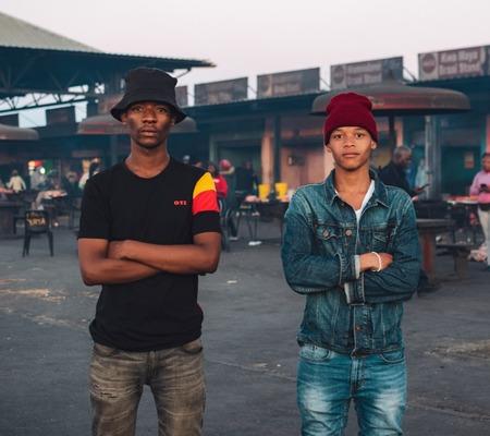 Chronic Sound – Abakholwayo ft. Ayzoman & Dj Anga